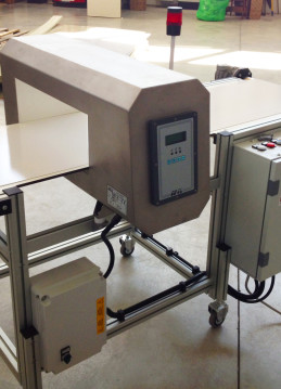 Nastro metal detector